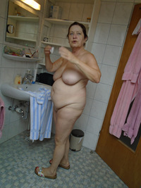 nude granny pics flabby nude granny reveals all