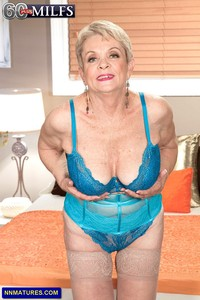nude granny mature granny lin boyde boobs but very sexy attachment