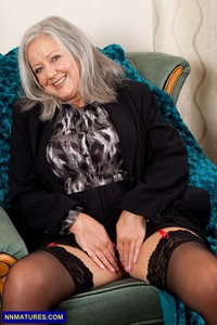 nude granny april thomas curvy granny entry