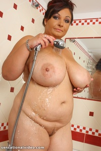 pics of bbw sex pictures solo plumpers play milf uses dildo shower entry