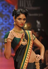 pics of hot and sexy models indian sexy models hot ramp walk krishniah chetty gallery walks attachment