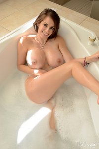 pics of naked big breasts talia shepard naked sexy bubble bath splashing boobs