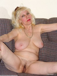 pics of naked grannies granny hairy pussy grannies
