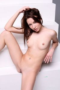 pictures of a shaved vagina picpost thmbs small tits erotic brunette shaved pussy pics