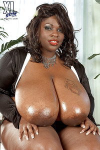 porn boobies pictures pics galleries fat black woman tits simone fox masturbating spreading hot pussy