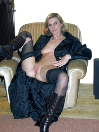pussy pictures of older women lusciousnet blonde bald pussy milfs pictures album older women stockings