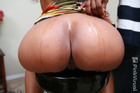 round huge ass pics america moore ass pictures shows off huge plump round
