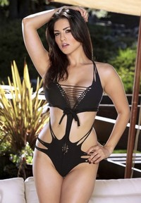 sexy bikini porn sunny leone hot sexy swimsuit photoshoot