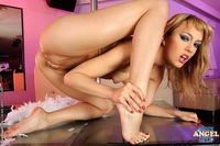 sexy feet licking pics efbb gallery lad worshipping girls sexy feet