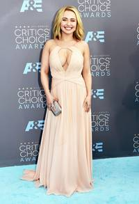 sexy huge breast pics leads vertical hayden panettiere celebrity style news makes formal red carpet appearance