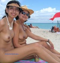 sexy nude beach pictures mom daughter nude beach sexy picture