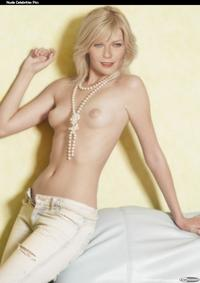 sexy nude pic kirsten dunst nude tits posing sexy magazine hot