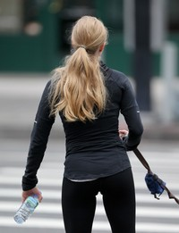 sexy pictures of asses gallery amanda seyfried jennifer carpenter sexy asses out jogging