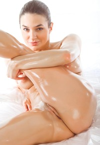 shaved pink pussy pictures original fresh babe modeling naked fuckable shaved pink cunt