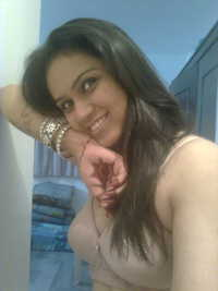 shaved pussies galleries indian nude desi girl exposing boobs