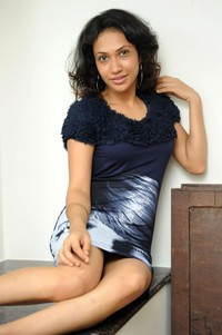 short skirts hot kusum hot stills telugu movie actress short