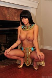 solo girl model wyyuanai busty solo girl cleopatra cost photo
