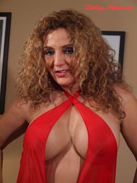 the biggest tit pics tit deep cleavage latina milf