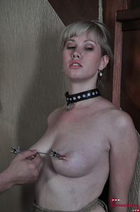 tit nipples pics media husband pulls clamped nipples his wife tortured pulling aug