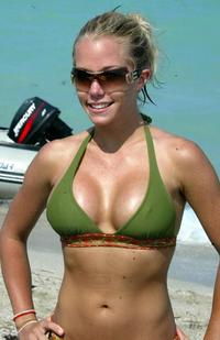 tits photo gallery celebrity photos gallery enlarged kendra wilkinson fake tits clothes