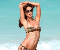 x pics lingerie wallpapers alessandra ambrosio victorias secret lingerie model beach