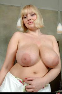 picture large tits wmimg areola tits bigtitslover blonde huge large areolas natural pussy shot sophie mei udders