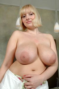 picture large tits large ezs holcn areola tits bigtitslover blonde huge areolas natural pussy shot sophie mei udders
