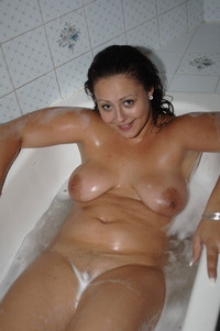 pictures old bbw large daucosn bath bathtub bbw bbwcult chubby fat old solo tub wet hair